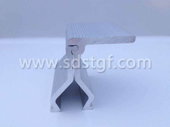 新角驰型金属屋面板夹具中板肋夹具编号B-003